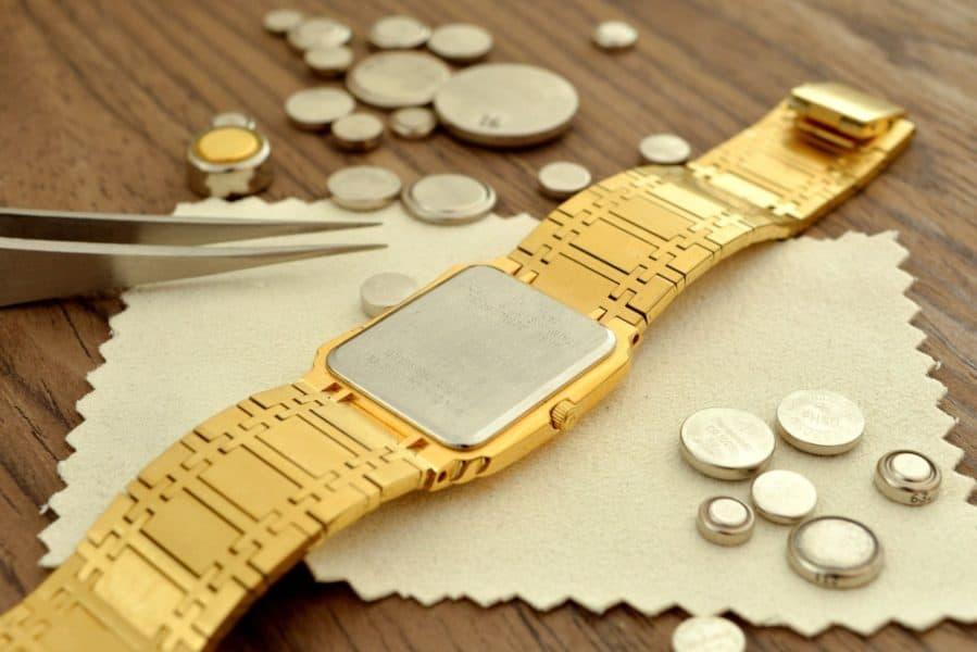 watch battery croped