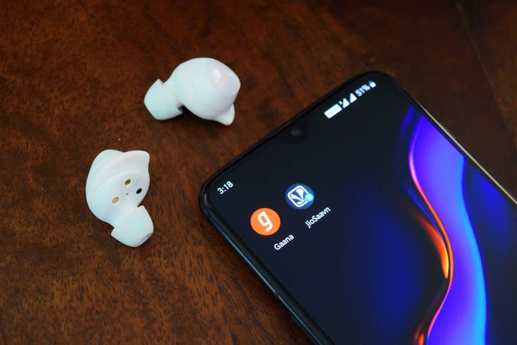 best wireless earbuds/headphones with a heart rate monitor
