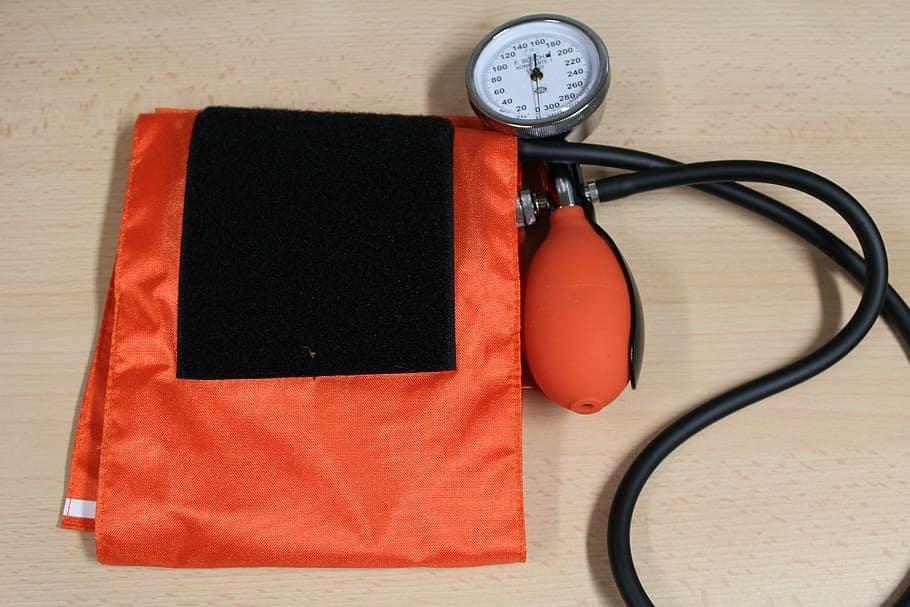 blood-pressure-measure