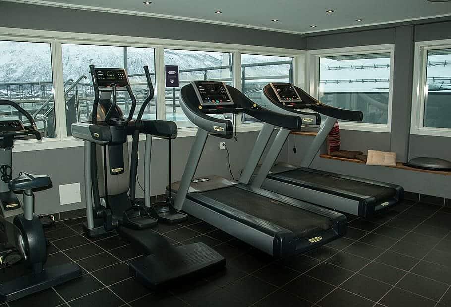 folding treadmil gym
