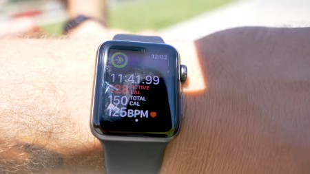 Apple Watch tracking calories